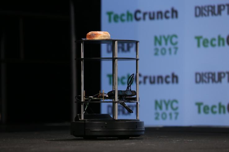 RoboWaiterはIBM Watsonを利用したウェイターロボット